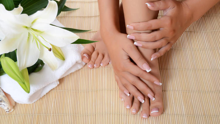 Как быстро вылечить сухую, потрескавшуюся кожу? Готовим дома гидрофильные кремовые плитки