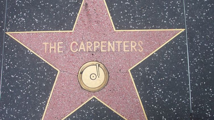 Звезда The Carpenters на Голливудской аллее славы