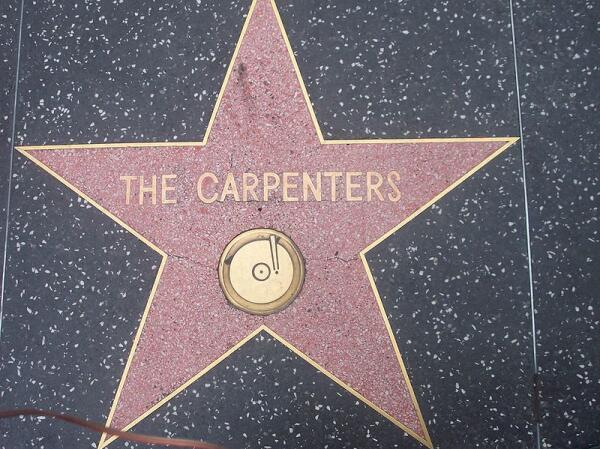 Кто стал альтернативой рок-музыке в начале 1970-х? Ко дню рождения Ричарда Карпентера, участника дуэта THE CARPENTERS