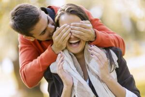 Тот, кто не умеет строить отношения с окружающими в реальной жизни, не сможет перешагнуть барьер препятствий в интернет-поиске заграничного мужа.