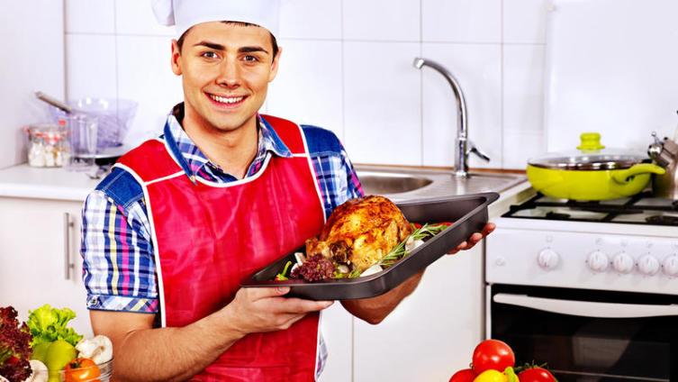 Мужчина на кухне: какие блюда нужно готовить, чтобы дожить до 100 лет?