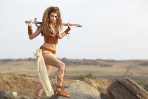 Впервые сведения о женщинах-воительницах, названных впоследствии амазонками, появились у древнегреческих (эллинских) историков.