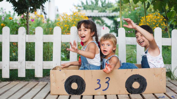 Какие игры из картона можно придумать для детей?