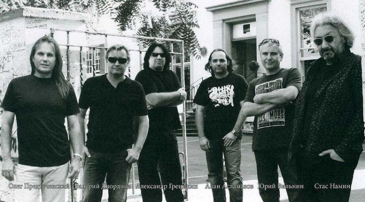 Группа «Цветы» в 2009 году