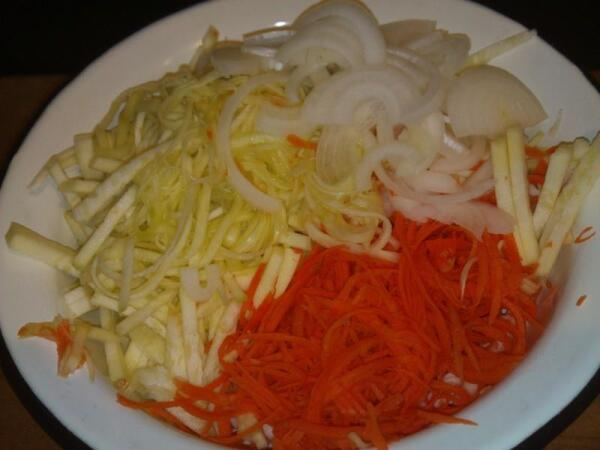 Ингредиенты для корейского салата с кабачком
