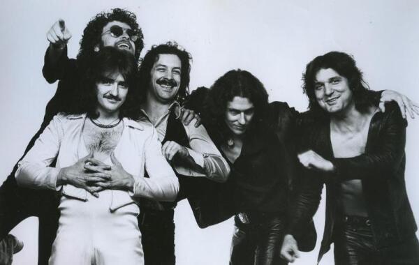 BLUE OYSTER CULT периода 1971-81 гг.: Дональд Розер, Эрик Блум, Альберт Бушар, Аллена Ланье, Джо Бушар.