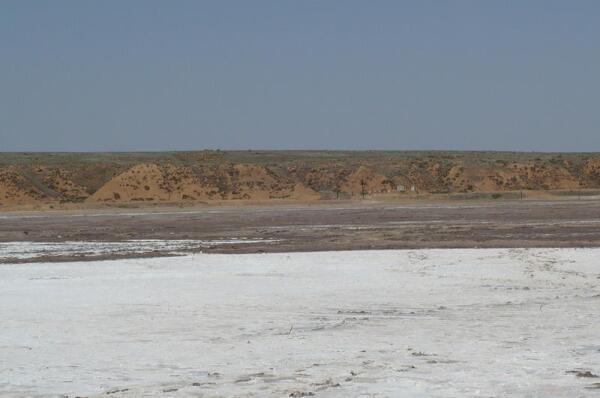 Берег озера Баскунчак