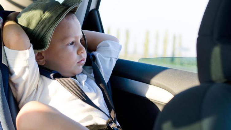 Как развлечь ребенка в дороге?