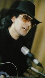Армен Сергеевич Григорян родился 24 ноября 1960 года в Москве.