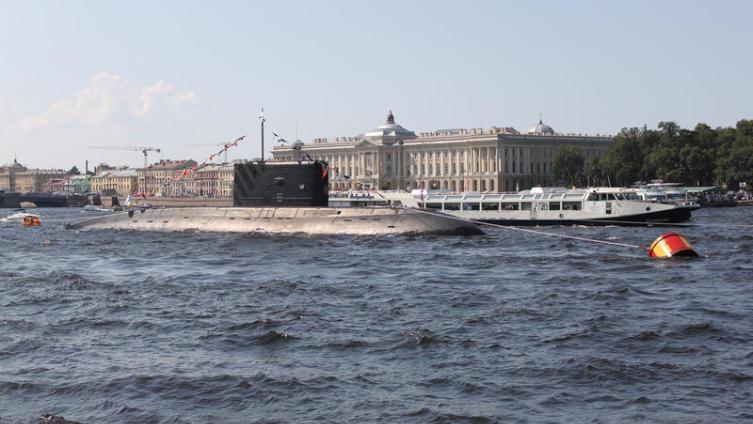 Существуют ли большие подводные лодки для туристов?