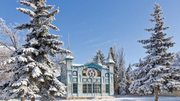 Лермонтовская галерея зимой. Пятигорск