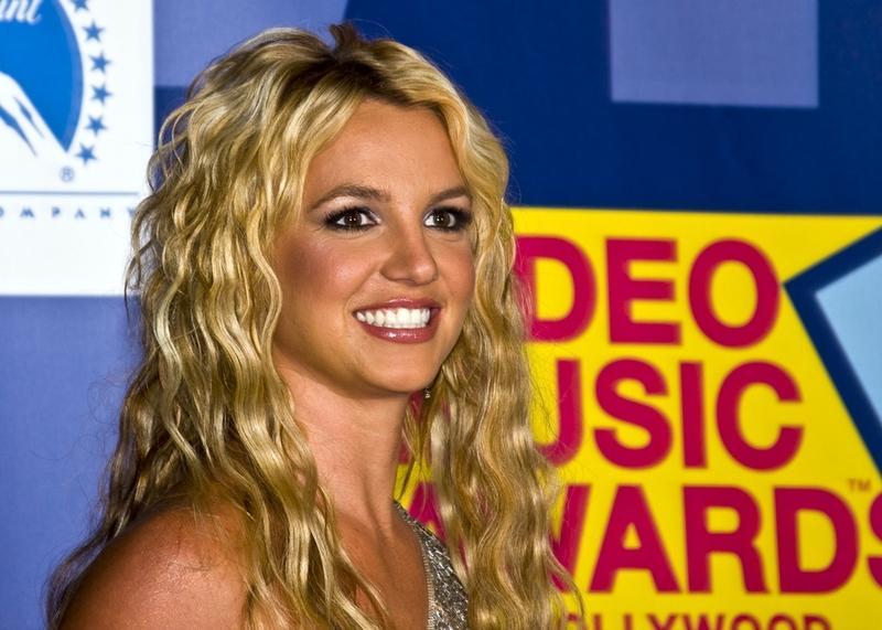 Какова история самых известных хитов Бритни Спирс? Ко дню рождения «поп-принцессы»