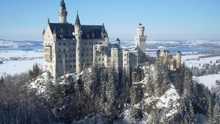 Замок Нойшванштайн, на строительство которого короля Людвига II вдохновило творчество Вагнера