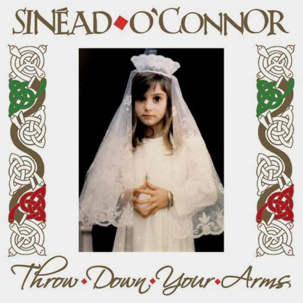 Шинед (Шинейд) Мэри Бернадетт О'Коннор родилась 8 декабря 1966 года в Дублине.
