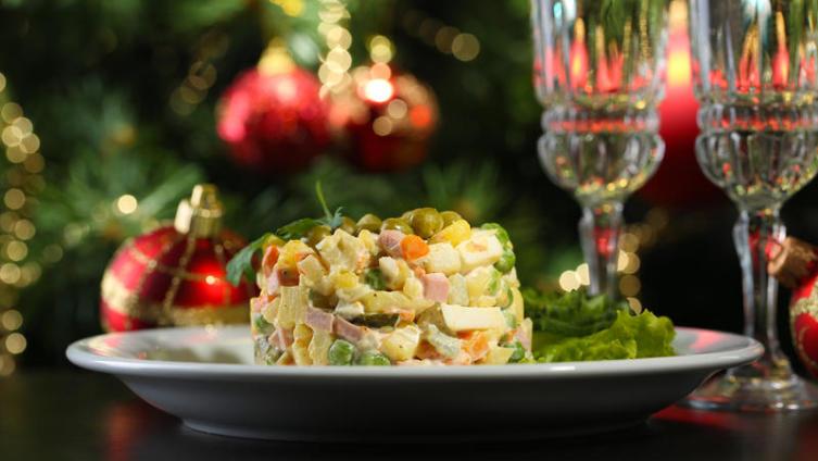 Новогодние салаты. Что приготовить к празднику?