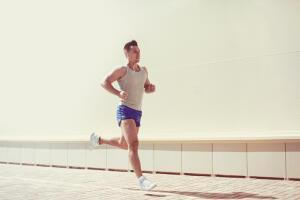 Почему полезно постоянно двигаться и как это делать?