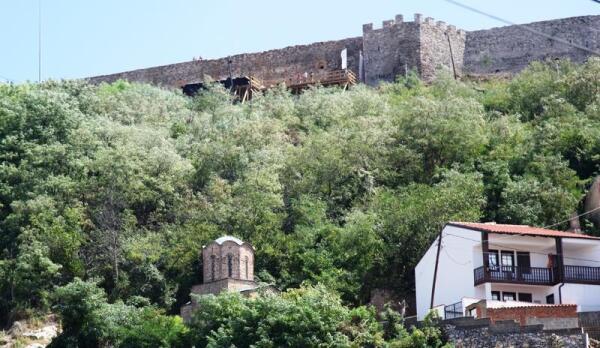 Стены древней крепости Калая