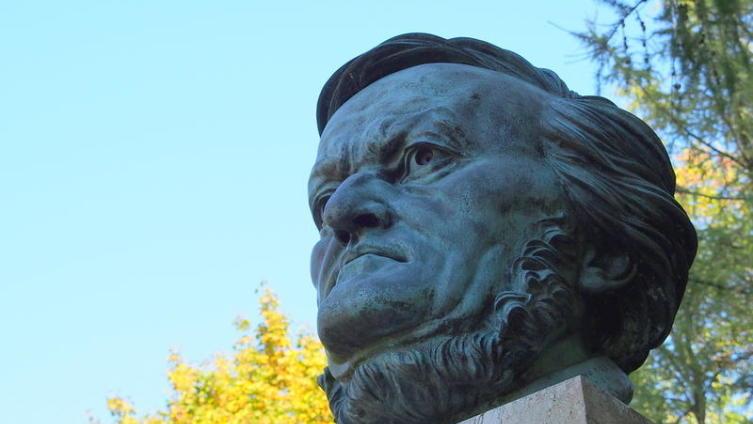 Статуя Рихарда Вагнера в Байройте, Германия