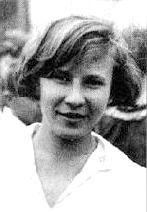 В сентябре 1941 года Катя Буданова пришла на пункт формирования женских авиаполков