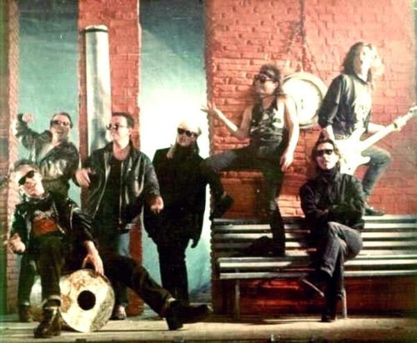 Кадр из клипа «Всё это рок-н-ролл» (1992)