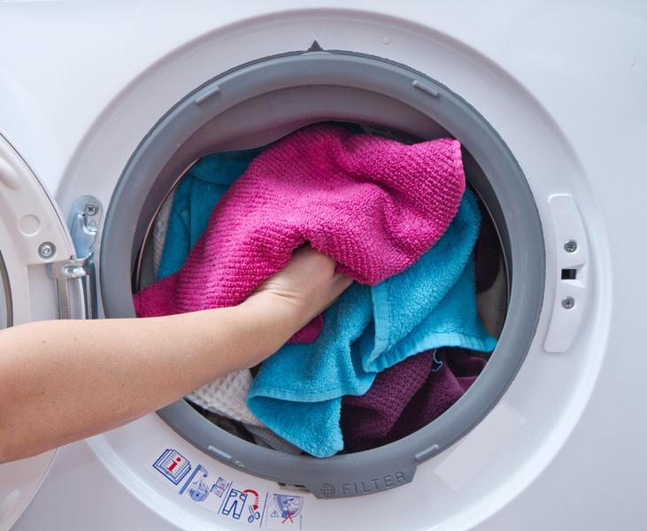 Минет секс на работающей стиральной машине подруг бане