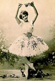 Рославлева, Любовь Андреевна (1874-1904). В роли Авроры в балете