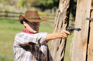 Ковбойская стрельба в стиле Fast Draw. Во что превратилась «ковбойская дуэль»? Ч 2. Оружие и мишени, правила соревнований, экипировка.