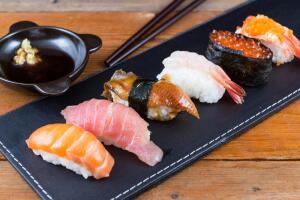 Чем полезны морепродукты и какие из них можно приготовить блюда?