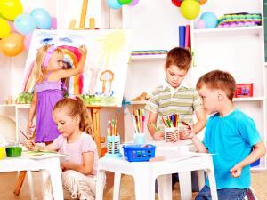 Какие вопросы волнуют родителей, впервые отдающих ребенка в детский сад?