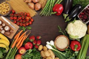 Какие полезные продукты не так уж и полезны? От салатов до пшеницы