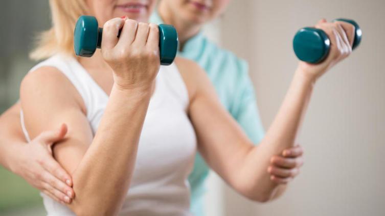 Как тренироваться после травмы при постельном режиме? Часть 1