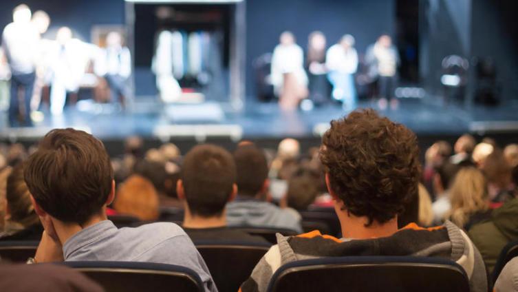 Чем развратен спектакль «Libertin» театра на Малой Бронной по пьесе Эрика-Эмманюэля Шмитта «Развратник»?