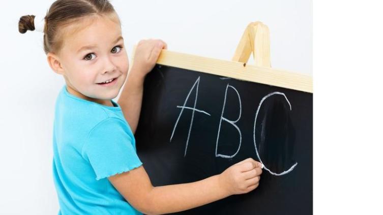 В каком возрасте пора учить малыша английскому?