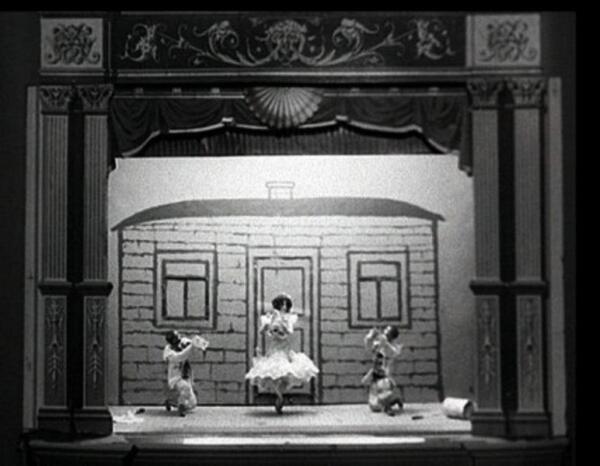 Кадр из мультипликационного фильма А. В. Ширяева «Пьеро — художники»