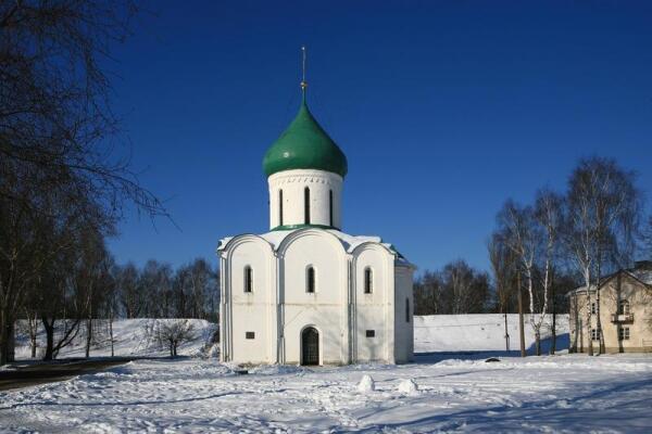 Переславль-Залесский. Спасо-Преображенский собор (основан в 1152 г. Юрием Долгоруким),