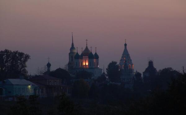 Коломна. Вид на Кремль и Ново-Голутвинский монастырь