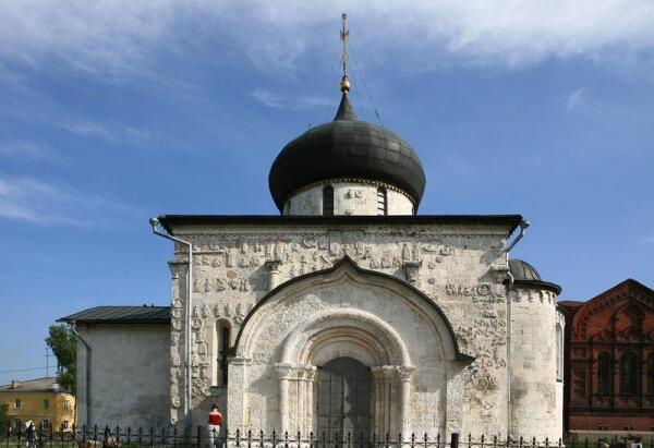 Юрьев-Польский, Георгиевский собор (1230—1234, реконструкция XV века).