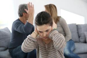 Правильно ли скрывать ссоры родителей от детей?