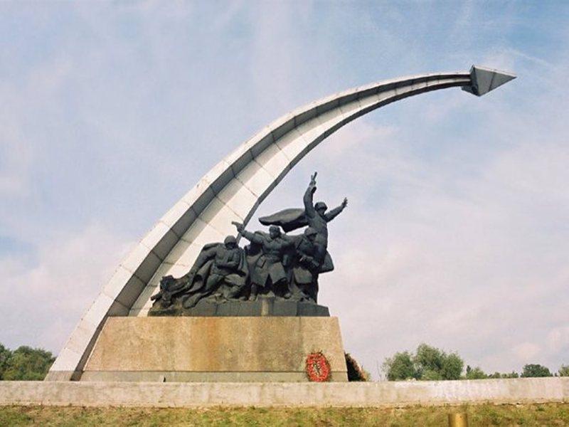 Ростов на дону памятники вов заказать себе памятник недорого olx