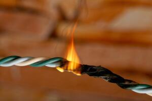 ОБЖ горожанина: кому нужно знать основы электробезопасности?