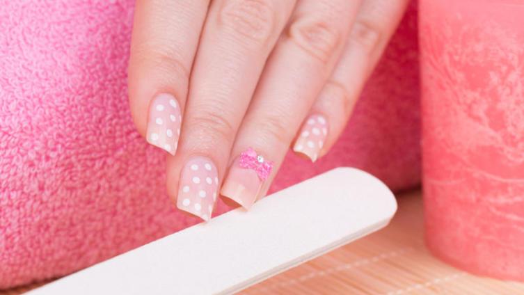 Типсы на ногти: как выбрать, как наклеить, как ухаживать и, самое главное, как снять?