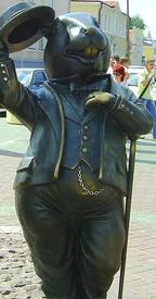 Памятник бобру в городе Бобруйске (Беларусь)