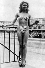 Мишель Бернандини в первом бикини, 1946 год.