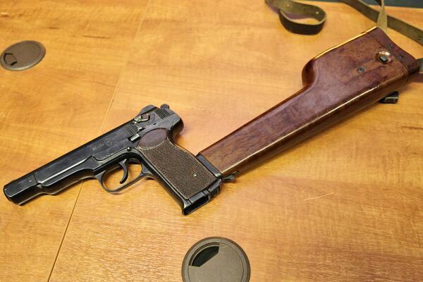 Автоматический пистолет Стечкина. Почему на Западе его называют «русская Беретта»? 2. Конструкция