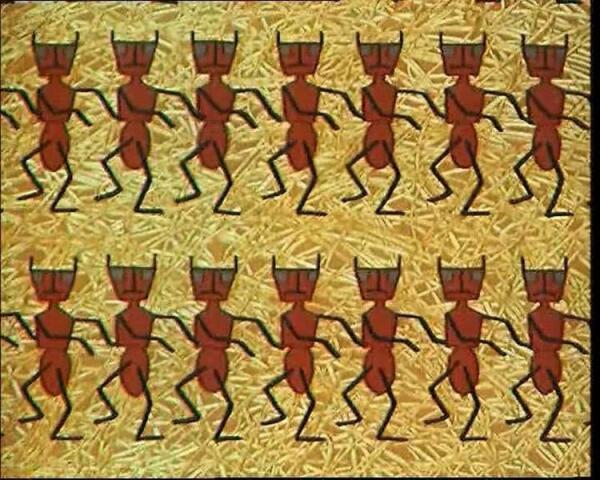 Напавшие на чёрных мурашей, рыжие мирмики в м-ф откровенно напоминали немецких фашистов.