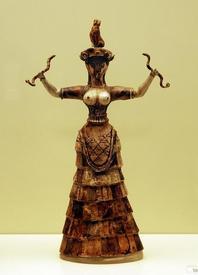 Богиня со змеями (минойская культура о-ва Крит).