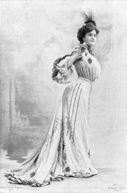 Дама 1901 года.