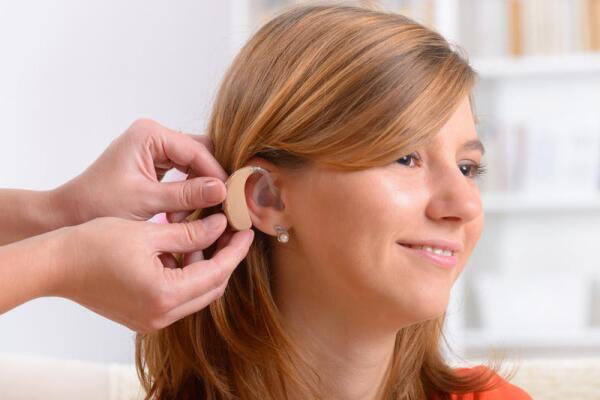 Почему ухудшается слух у молодых?