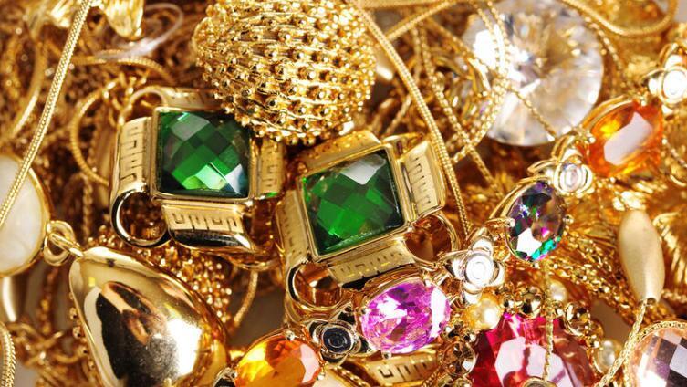 Есть ли польза от ювелирных украшений?