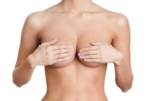 Каким был идеал женской груди в разные времена? Часть 2: возрождённая и галантная